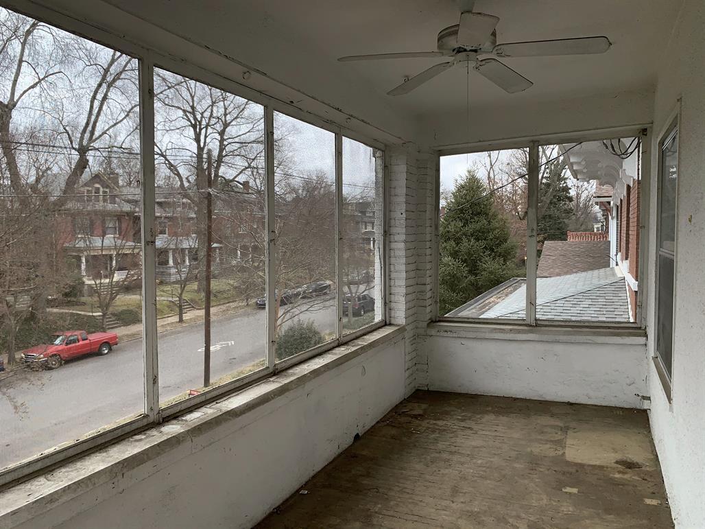 1210 Everett Ave