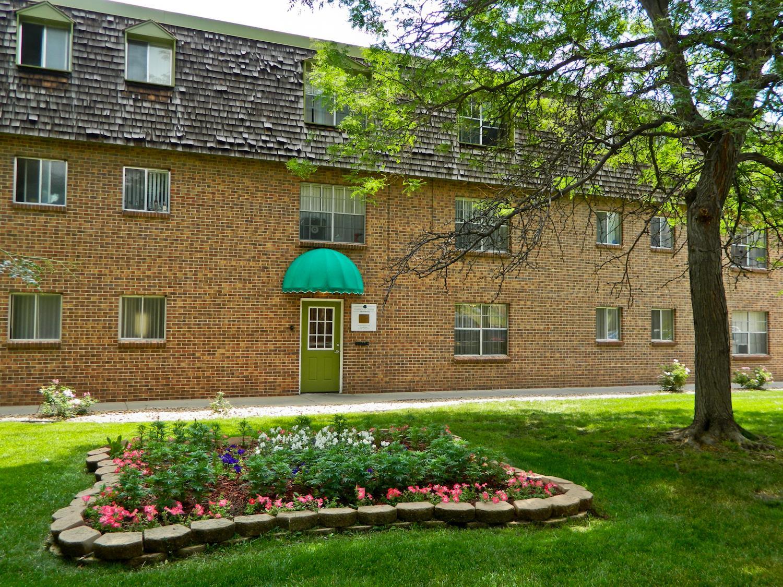Garden Center Apartments Exterior