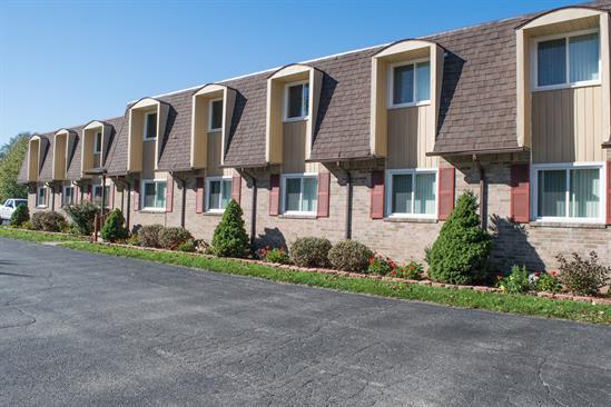 2211 Foxbourne Rd Apt. 10 Exterior
