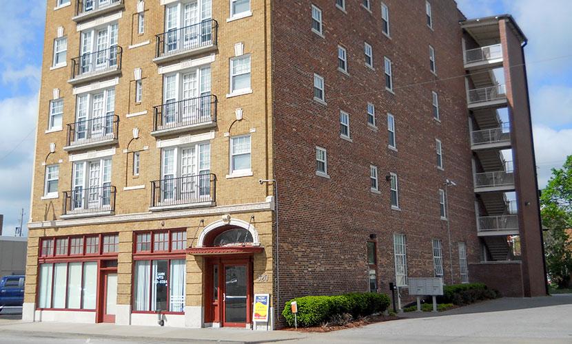Zahn Apartments