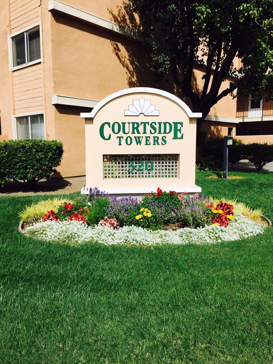 Courtside Towers Apartments