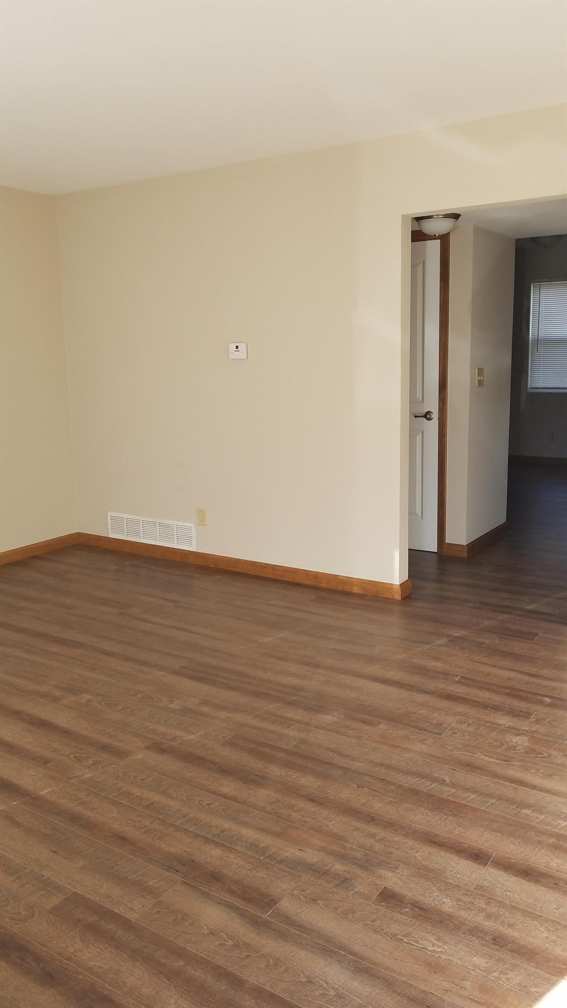 Images of 38 Heritage Pl