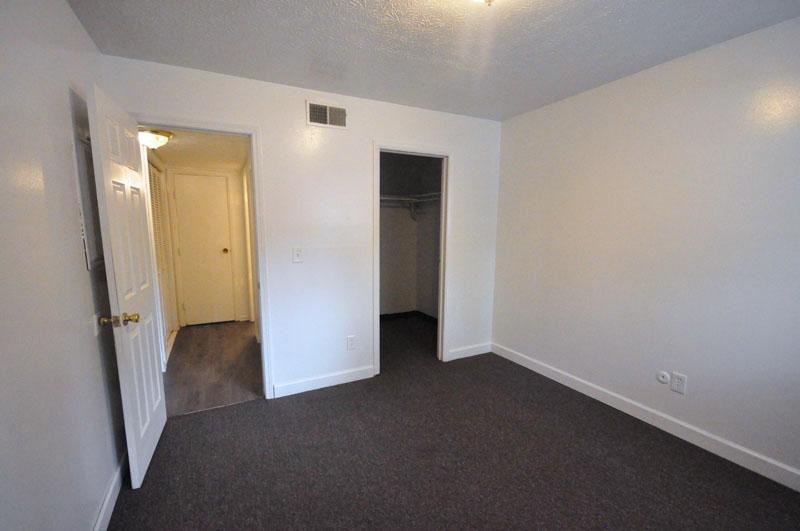 434-438 E. Norwich Avenue