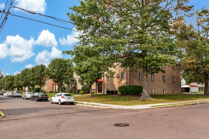 Pear Tree Court Apartments