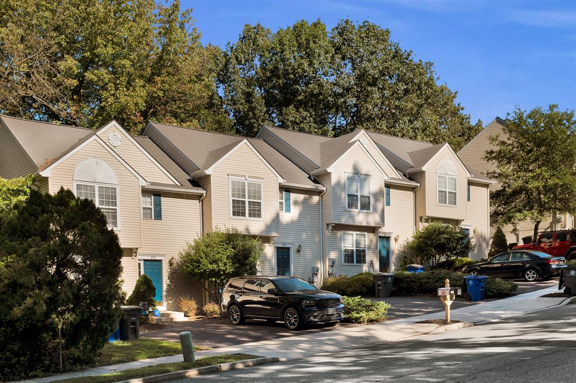 Townhouses at Upland Village Exterior