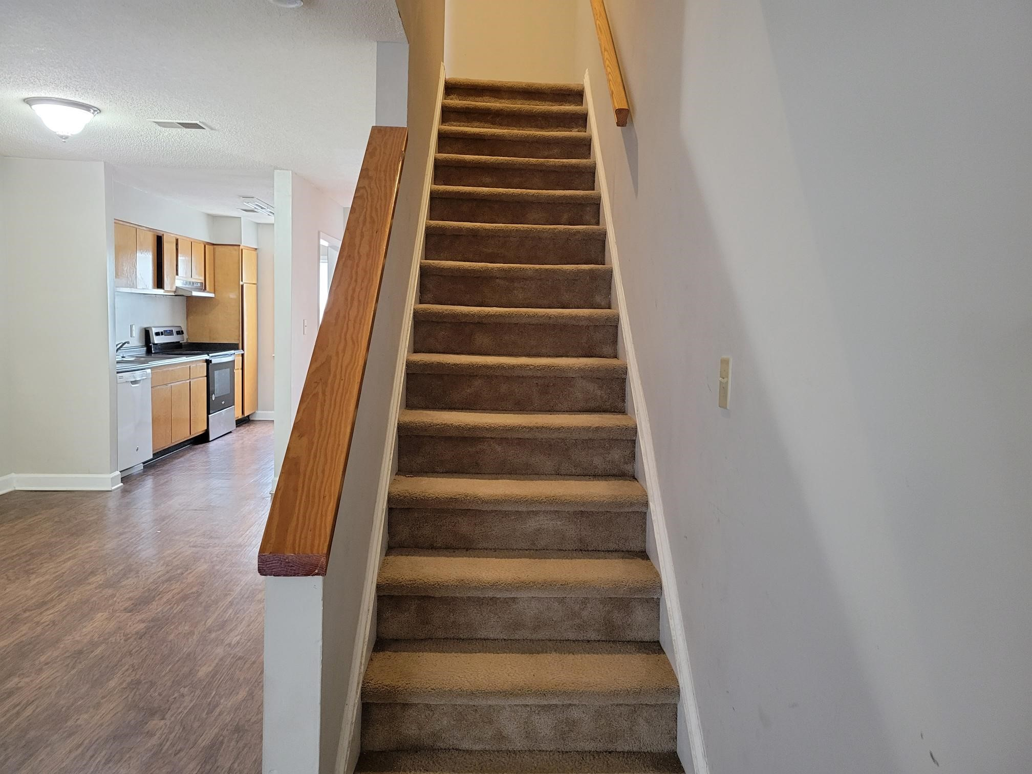 Image of 2504-205 Avent Ferry Rd Raleigh, NC 27606